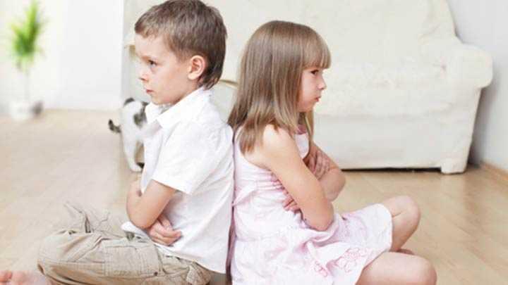 kardes-kiskancligi-nasil-yenilir_646x340 Çocuklarda Kardeş Kıskançlığı