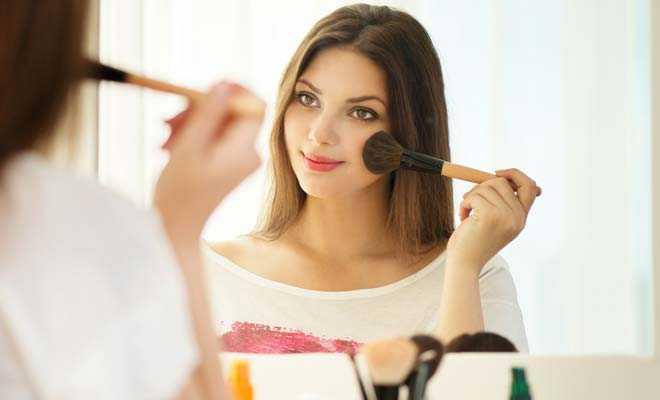 makyaj-cilt-bakım Makyaj Cilde Nasıl Etki Eder?