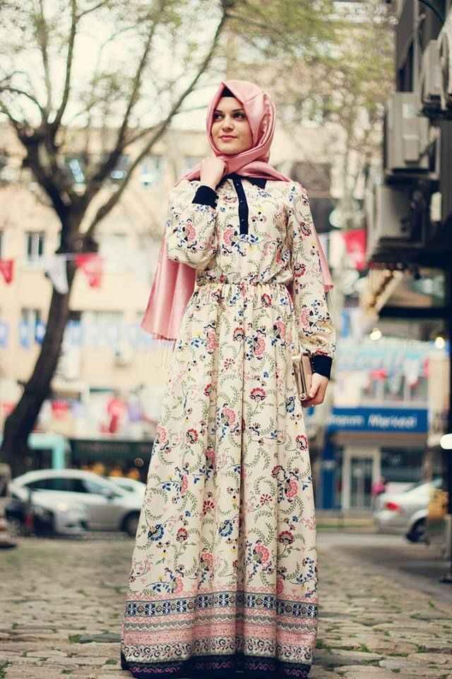 içek-Desenli-Yazlık-Tesettür-Elbise-Modelleri Çiçek desenli elbise modelleri tasarımları