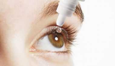 Göz seğirmesine neden olur tedavi yöntemi nedir?
